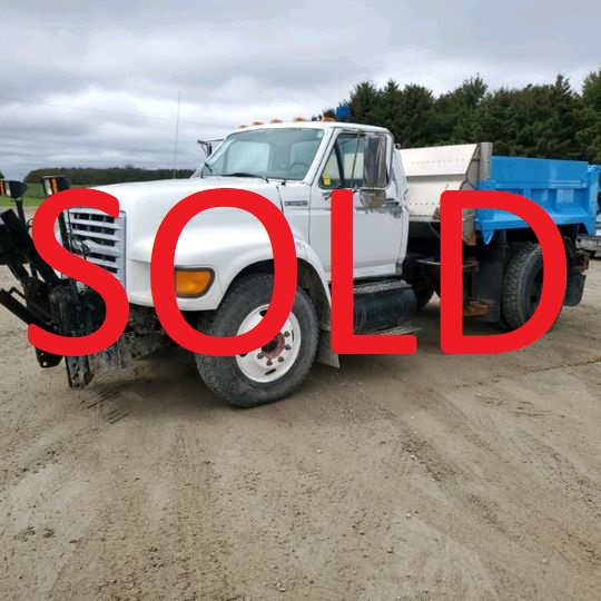 1999 Ford L800 Single Axle Truck with Snow Plow and Sander