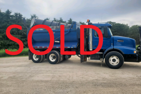 2008 VOLVO VHD TANDEM AXLE DUMP TRUCK WITH SNOW PLOW AND SANDER